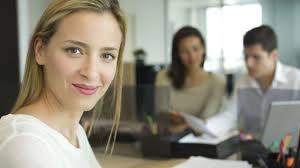 femme bureau comment s habiller pour sortir après le boulot l express styles