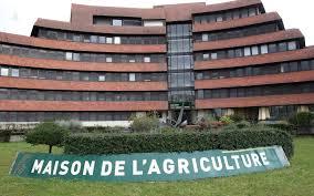 chambre agriculture bordeaux deux employés de la chambre d agriculture 64 sont sans salaire