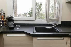 cuisine avec fenetre où installer évier cuisines et bains