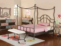 arredamento da letto ragazza pittura x da letto ragazza insolita arredo da letto