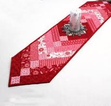 valentine s day table runner valentine table runners free patterns thread looking for table
