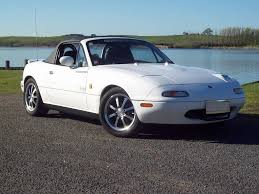 white crystal u0026 chaste 1990 na mx5 eunos roadster nz mazda