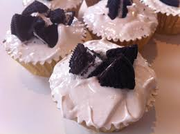 cupcake awesome how do you make oreo cupcakes mint oreo cupcake