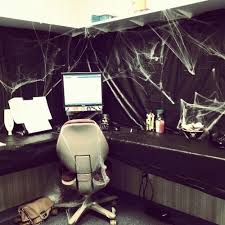 How To Decorate Your Cubicle For Halloween 25 Creative Office Cube Halloween Decorating Ideas Yvotube Com