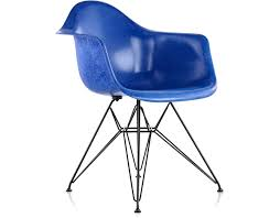eames molded fiberglass armchair with wire base hivemodern com