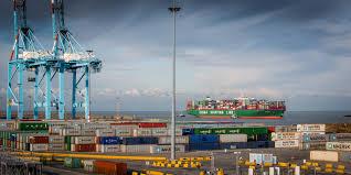 puertos grúas y transportes