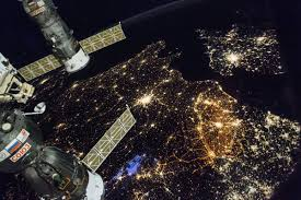 how fast does the space station travel images Iss hashtag on twitter jpg