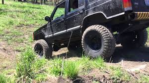 diesel jeep rollin coal 2001 diesel om617 300d jeep cherokee rolling down a hill for the