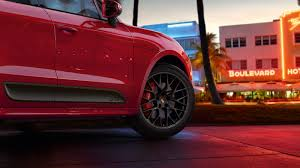 Porsche Macan Red - preview the porsche macan gts