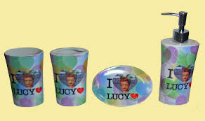 amazon com i love lucy 4 pcs bathroom set ceramic tooth brush