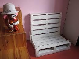 canap pour enfants canapé enfant en récup palette au 303 home deco