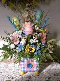 Cute Easter Table Decorations by 243 Best Easter Images On Pinterest Flower Arrangements Floral