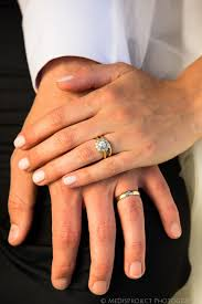 wedding ring on right wedding rings wedding ring on right divorce ring finger
