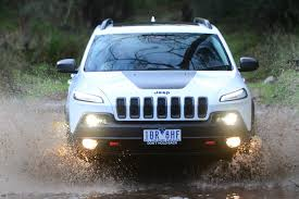 camo jeep cherokee jeep grand cherokee srt night edition 8 things you didn u0027t know