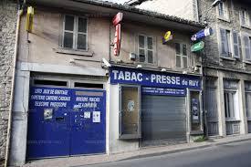 bureau de tabac ouvert le dimanche grenoble isère nord braquage à armée au tabac presse