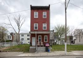 10 Orphan Row Houses So Lonely You Ll Want To Take Them   10 orphan row houses so lonely you ll want to take them home with