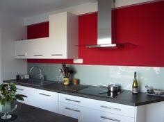 deco cuisine mur cuisine blanche et cuisine blanche avec plan de travail noir
