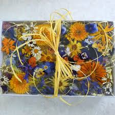dried flowers giftbox table decorations wedding confetti