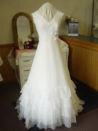 wedding gown preservation great lakes wedding gown specialists complete gown care