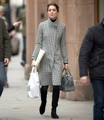 kate middleton does some christmas shopping at peter jones