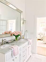 Master Bathrooms Ideas Best 25 White Bathroom Ideas On Pinterest White Bathrooms Gray