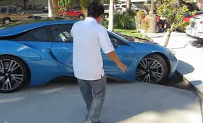 Bmw I8 Doors - bmw i8 almost crashes while parking youtube