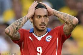 mauricio pinilla gets tattoo of his shot that hit the crossbar
