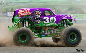 grave digger monster truck merchandise grave digger 30th anniv body