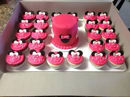 minnie mouse cupcakes mickey and minnie mouse birthday cake decorations cupcakes