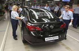 opel astra sedan nowy opel astra sedan już zjeżdża z gliwic zdjęcia se pl