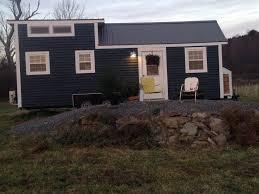 Hgtv Tiny House Hgtv U0027s Tiny House Hunters Features Hulse Hill Farm Season 4 U0027s