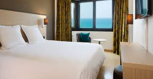 book your rooms and suites with sea view at the escale oceania