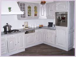 cuisine en chene repeinte cuisine en chene repeinte une cuisine rnove du beau avec de
