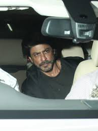 Shahrukh Khan House Shah Rukh Khan And Other Celebs Spotted At Salman Khan House