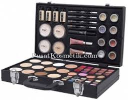 Daftar Perlengkapan Make Up Wardah pac pac make up kit new edition 1