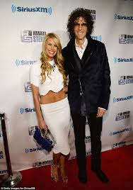 howard stern u0027s wife beth ostrosky flashes tummy at husband u0027s 60th
