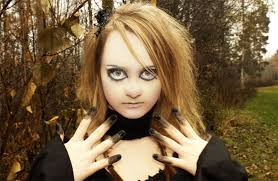 Creepy Doll Costume Get A Creepy Look With Halloween Doll Makeup Entertainmentmesh