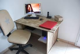 meuble fait en palette bureau en palette de bois u2013 mzaol com