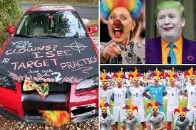 Clown Memes - web pranksters turn the tables on the crazed clown attacks sweeping
