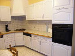 cuisine à rénover rénover une cuisine comment repeindre une cuisine en chêne