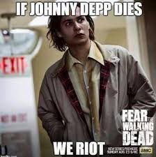 If Daryl Dies We Riot Meme - zombiefreakfest he s like a druggy completely helpless daryl