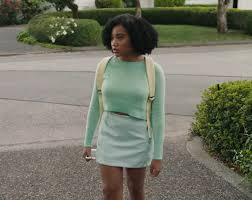 sweater amandla stenberg in everything everything 2017