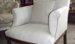 canapé style anglais fleuri canapé tissu fleuri anglais canapeanglaiswindemereentissuvelours