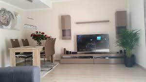 Wohnzimmer Modern Retro Ideen Funvit Bunte Retro Wanduhr Ebenfalls Increíble Wohnwand
