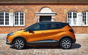 new renault captur 2017 comparison renault captur iconic nav 2017 vs subaru
