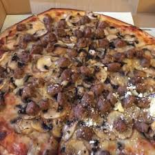 Round Table Pizza Atascadero Giant Pizza Order Food Online 15 Photos U0026 58 Reviews Pizza