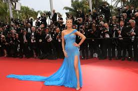 femme de chambre cannes lively cannes 2016 versace blue eu capitu vestidos e
