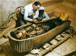 the opening of king tut u0027s tomb shown in stunning colorized photos