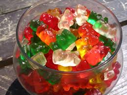 how to make alcoholic gummy bears for your fourth of july party in