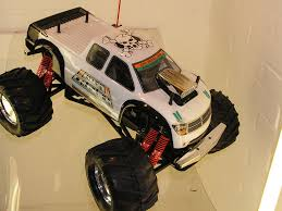 monster truck nitro 3 kyosho giga crusher dual force 1 8th scale nitro monster truck